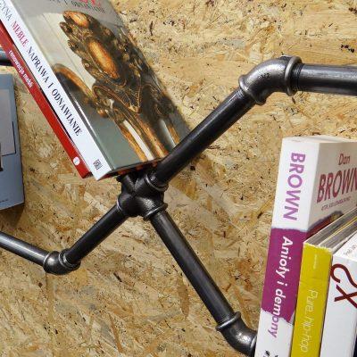 Półka z rur, półka na książki w stylu loft