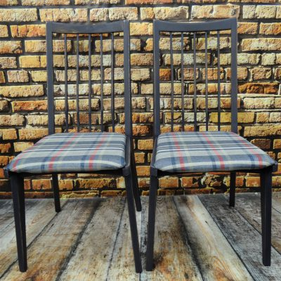 Krzesła Hałas model 200-157 – zestaw 2 krzeseł