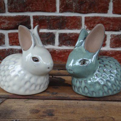 Ceramika – zajączek w kolorze białym