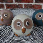 Ceramika – sówka w kolorze ciemno niebieskim