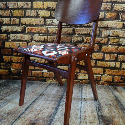 """Krzesło PRL """" bumerang """" typ 299"""